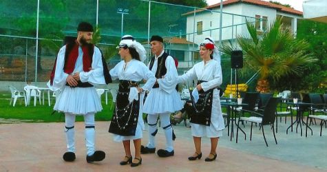 GREEK0 DANCERS  1